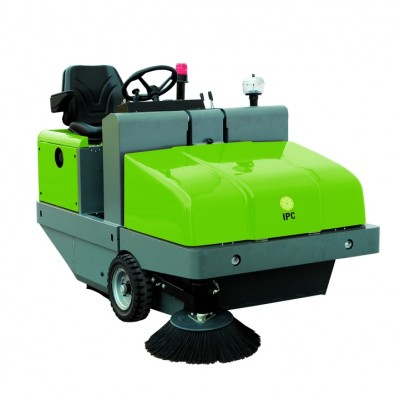 IPC Gansow 161 D Ride On Sweeper Ex-Demo