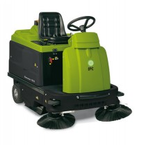 IPC Gancow 1010 Ride On Sweeper