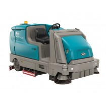 Tennant M17 Ride On Sweeper-Scrubber