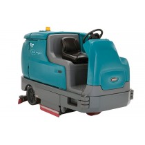 Tennant T17 Ride On Scrubber Dryer